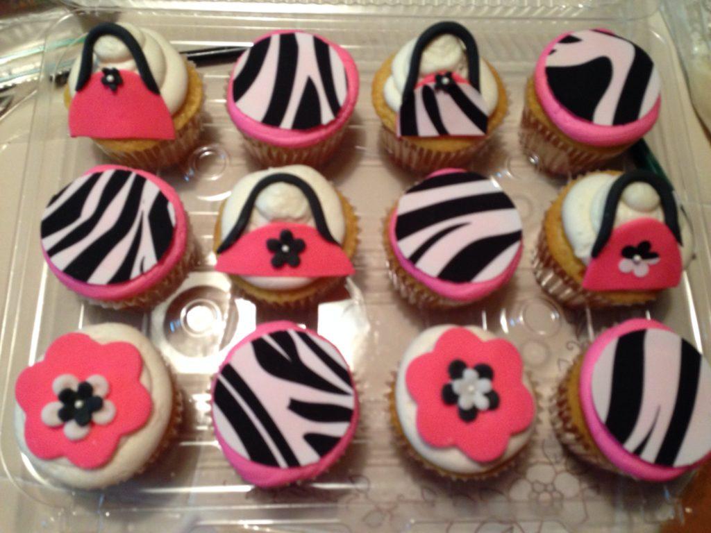 "<a href=""http://www.joyscakery.com/cupcakes/"">Cupcakes</a>"
